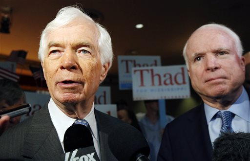 Sen. John McCain, R-Ariz., and Republican Senator Thad Cochran   (AP Photo/Rogelio V. Solis)