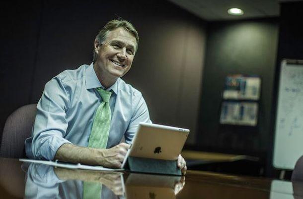 Former CEO touts business record in Senate race