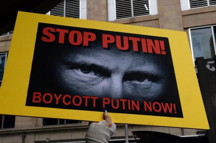 Putin pushing dangerous path says American general
