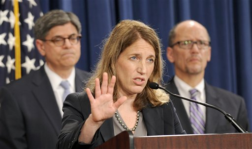 Health and Human Services Secretary Sylvia Burwell, center, flanked by Treasury Secretary and Managing Trustee Jacob J. Lew, left, and Labor Secretary Thomas E. Perez  (AP Photo/Susan Walsh)