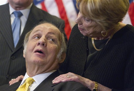 Former White House press secretary James Brady, left, and his wife Sarah Brady (AP Photo/Evan Vucci)