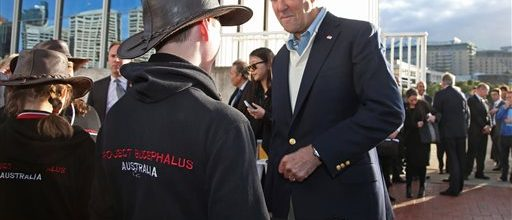 Kerry urges calmness in Iraq