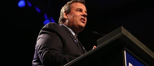Christie claims he's a good contrast to Obama