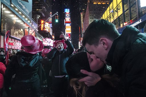 Crowd in Times Square welcomes 2015