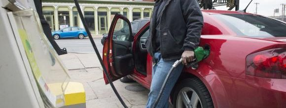 Lower gas prices fuel economic growth