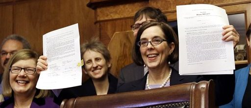 Oregon goes to automatic voter registration