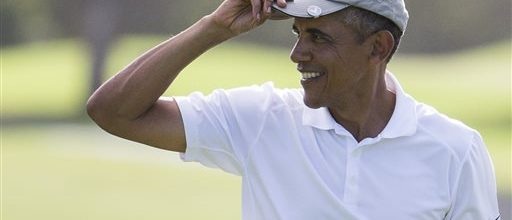 Vacationing Obama hits campaign trail