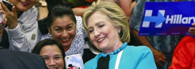 Clinton, Saunders battle for Latino vote