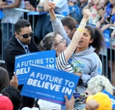 Animal rights protesters disrupt Sanders rally