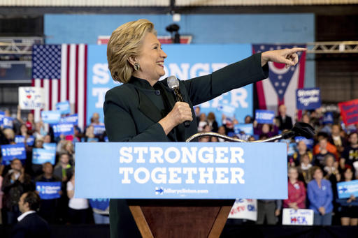 Clinton, Trump campaigning hard to the end