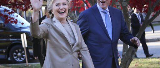 Clinton concedes, congratulates Trump
