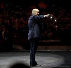 Sanders rebukes Trump