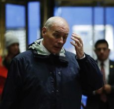 Trump names Kelly for Homeland boss