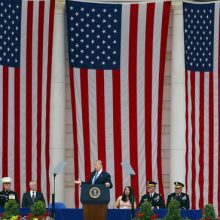 Trump honors vets on Memorial Day