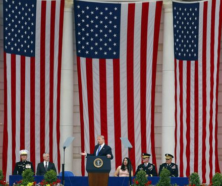 Trump honors vets on Memorial Day