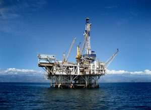 Obama offers offshore oil drilling program