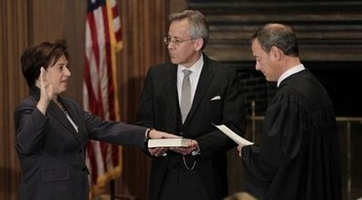 Kagan sworn in as newest Supreme Court justice