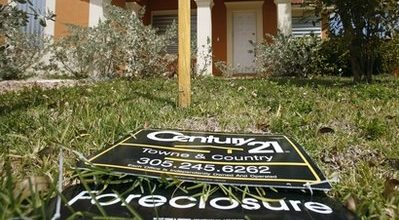 Foreclosure fury floods campaign trail