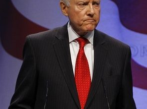 Rowdy conservatives heckle Hatch at CPAC