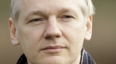 Judge rules Assange can be extradited for sex crimes