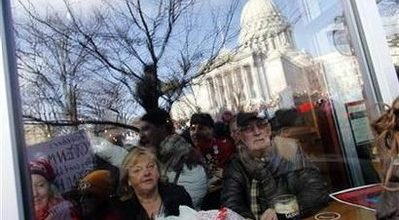 Judge blocks, expands ban on Scott Walker'union-busting law