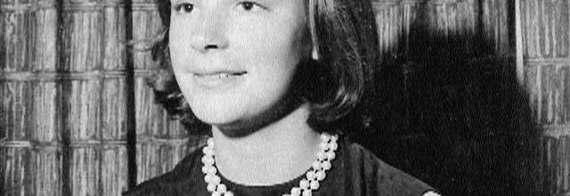 JFK nailed White House intern in Jackie's bed
