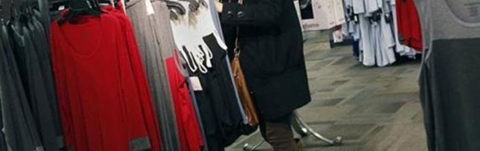 'Fiscal cliff' worries last minute shoppers