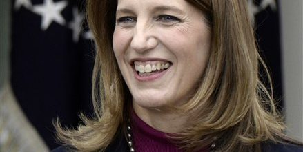 Obama taps Sylvia Burwell to head HHS