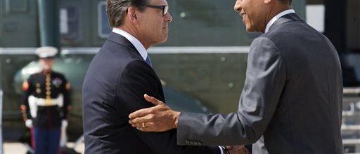 Obama tries to refocus immigration disputes
