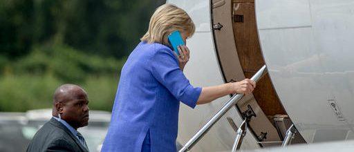 Watchdog group praises Clinton foundation