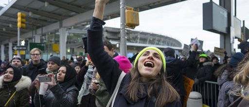 Judge halts Trump's deportations